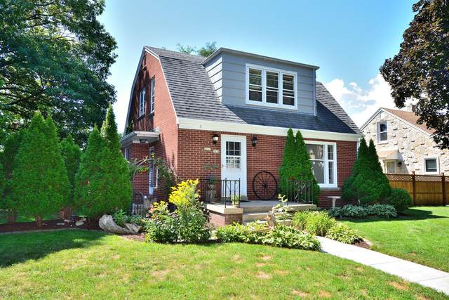 2115 W Kendall Ave #2117, Glendale, WI 53209 (#1759077) :: RE/MAX Service First