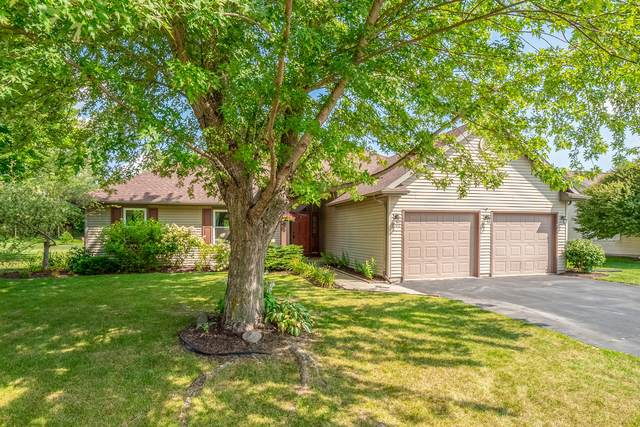 2240 Songbird Ct, Plymouth, WI 53073 (#1759194) :: EXIT Realty XL