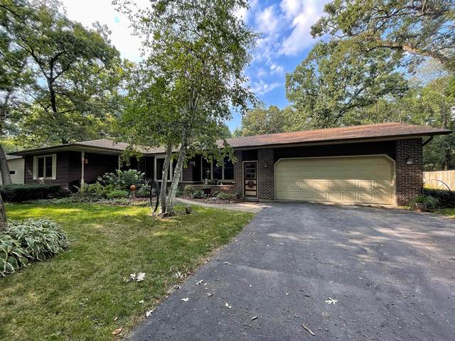 W8236 Sunset Ct, Lake Mills, WI 53551 (#1759219) :: EXIT Realty XL