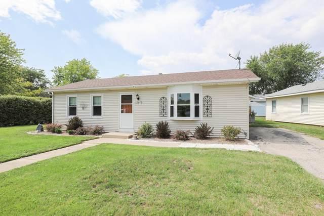 12340 Timber Ridge Dr, Pleasant Prairie, WI 53158 (#1759461) :: EXIT Realty XL