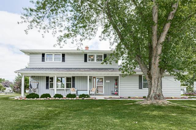 317 S Pershing St, Howards Grove, WI 53083 (#1759622) :: RE/MAX Service First