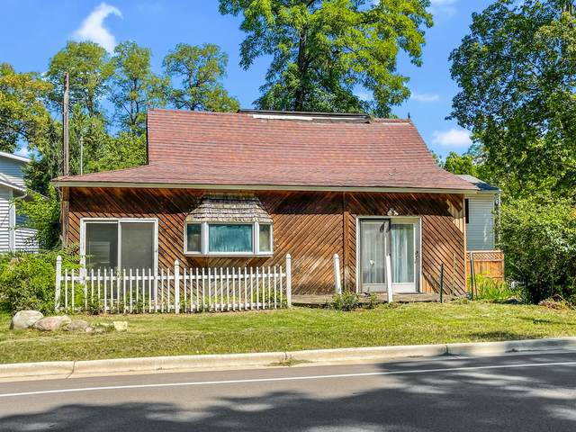 422 S Lakeshore Dr, Fontana, WI 53125 (#1759627) :: EXIT Realty XL
