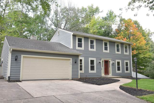 11647 N Austin Ave, Mequon, WI 53092 (#1759667) :: OneTrust Real Estate