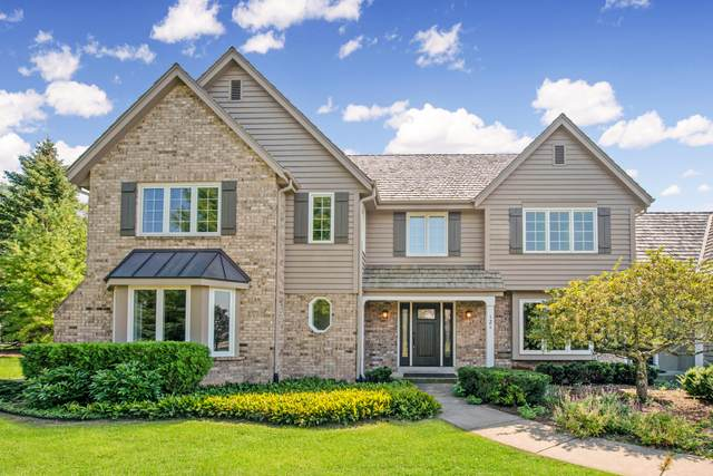 121 E Ironwood Ln, Mequon, WI 53092 (#1759773) :: EXIT Realty XL
