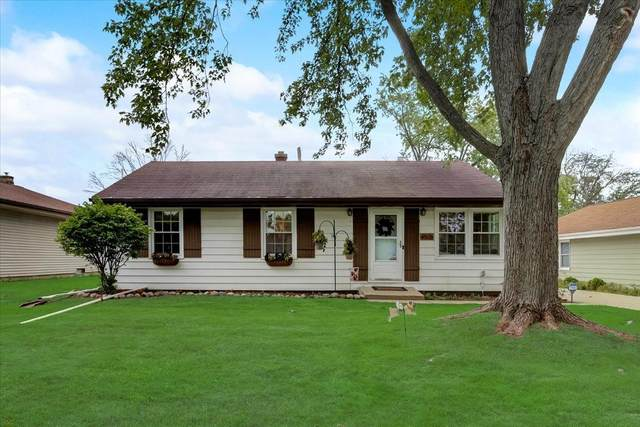 4576 N 101st St, Wauwatosa, WI 53225 (#1759806) :: EXIT Realty XL