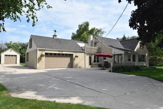 2110 W Highland Rd, Mequon, WI 53092 (#1759925) :: Tom Didier Real Estate Team