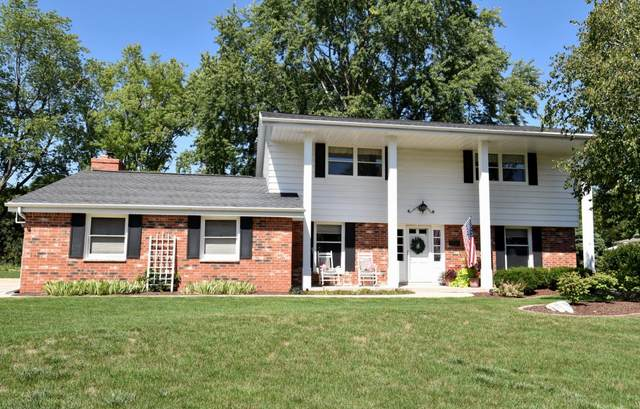 8926 Greenacre Ct, Greendale, WI 53129 (#1759933) :: EXIT Realty XL