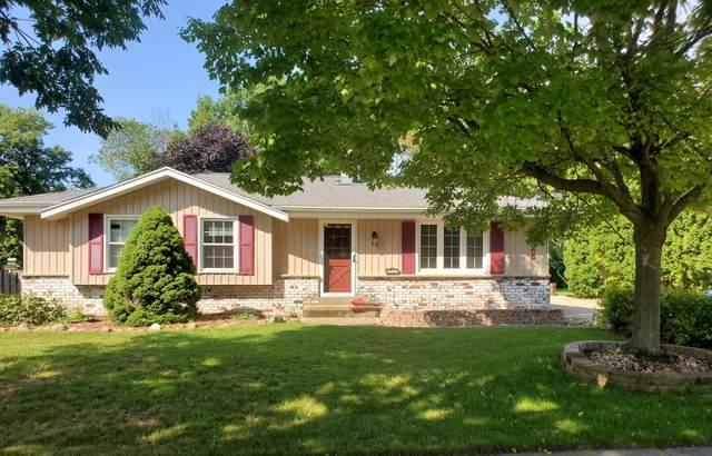7525 S Manitowoc Ave, Oak Creek, WI 53154 (#1760382) :: Tom Didier Real Estate Team