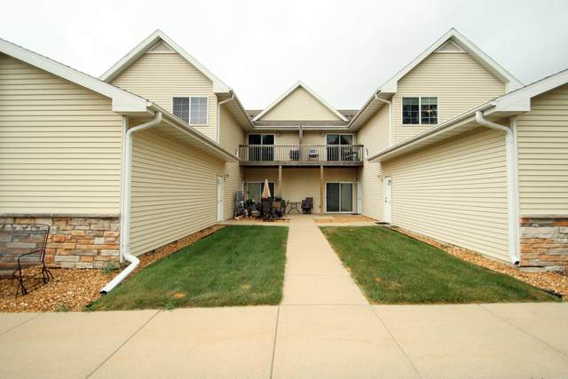 355 Oneil St, Lake Mills, WI 53551 (#1760556) :: EXIT Realty XL