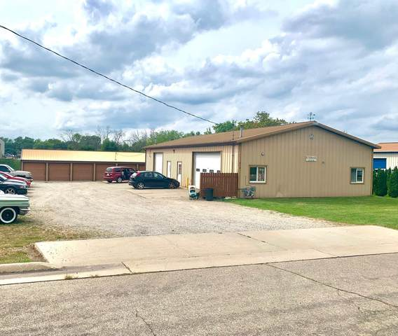 412 Theresa St, Watertown, WI 53094 (#1760755) :: EXIT Realty XL
