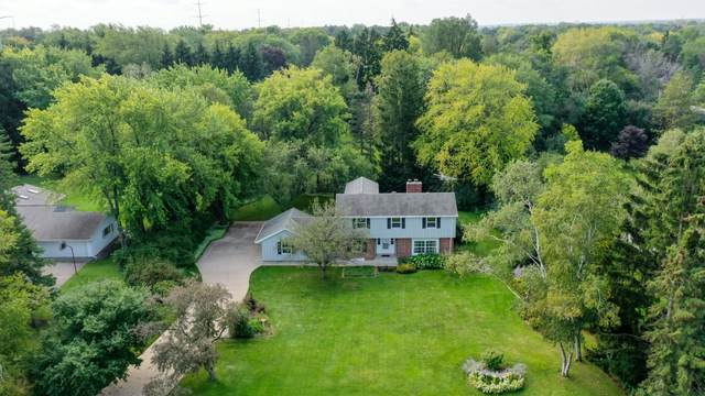 8415 W Sunnyvale Rd, Mequon, WI 53097 (#1761041) :: EXIT Realty XL