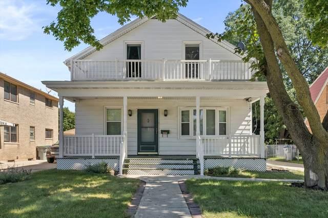 2916 S 60th St, Milwaukee, WI 53219 (#1761096) :: Tom Didier Real Estate Team