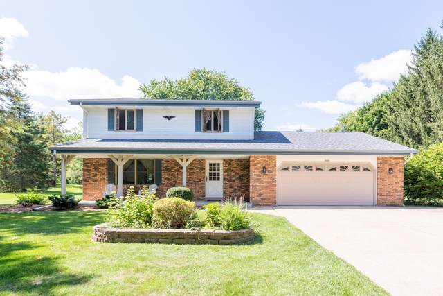 4949 Eagle Ln, West Bend, WI 53095 (#1761449) :: EXIT Realty XL