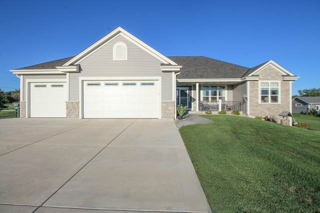 W226S9342 Ripple Brook Ct, Big Bend, WI 53103 (#1761454) :: EXIT Realty XL
