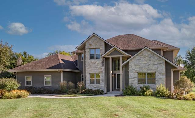 5836 Chapel Hill Dr, Wayne, WI 53090 (#1761546) :: Re/Max Leading Edge, The Fabiano Group