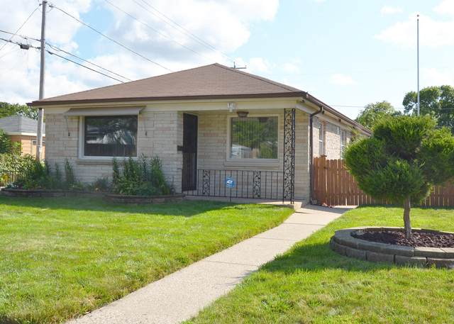 5176 N 71st St, Milwaukee, WI 53218 (#1761597) :: EXIT Realty XL