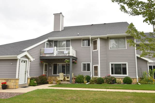 1154 W Baldwin Ct, Mequon, WI 53092 (#1761615) :: EXIT Realty XL