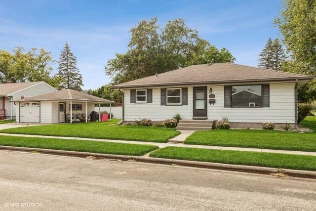 W170N8519 Lloyd Ave, Menomonee Falls, WI 53051 (#1761784) :: EXIT Realty XL