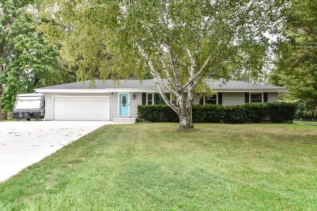 14501 W Armour Ave, New Berlin, WI 53151 (#1761850) :: EXIT Realty XL