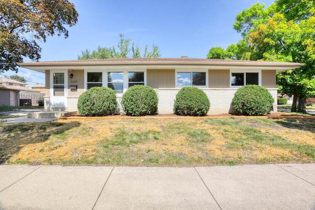 8600 W Crawford Ave, Milwaukee, WI 53228 (#1762042) :: Tom Didier Real Estate Team