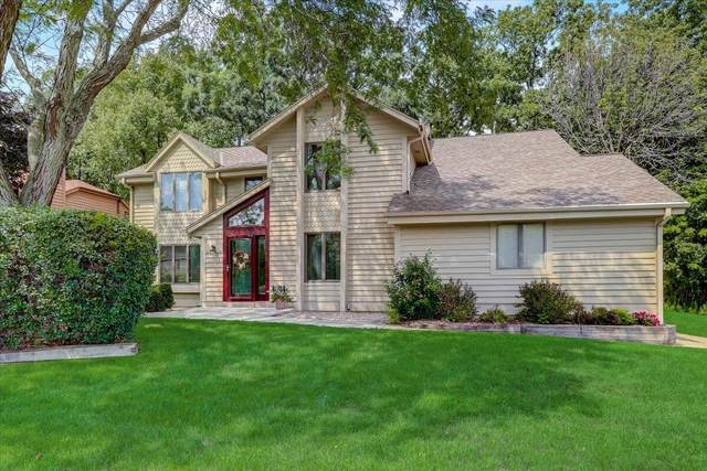 12600 W Scarborough Dr, New Berlin, WI 53151 (#1762074) :: Re/Max Leading Edge, The Fabiano Group