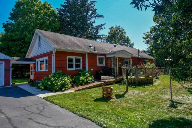 34941 N Breezeland Rd, Summit, WI 53066 (#1762336) :: Re/Max Leading Edge, The Fabiano Group