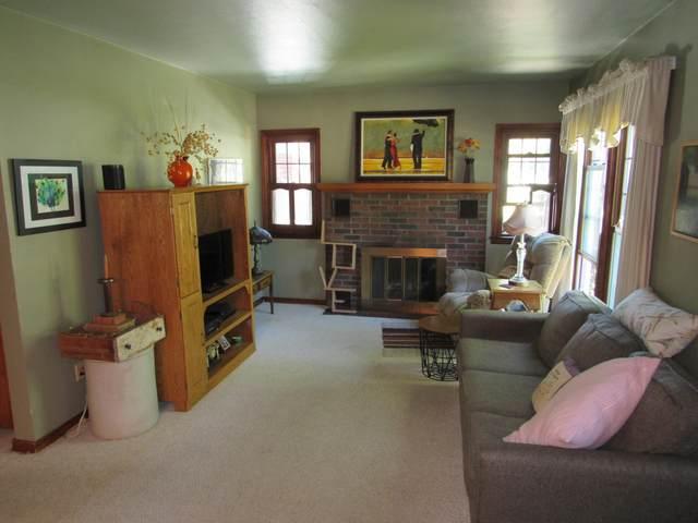 2307 15th Ave, Menominee, MI 49858 (#1762491) :: EXIT Realty XL