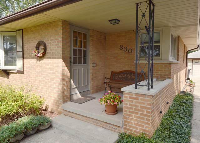 330 Palmer St, Waukesha, WI 53188 (#1762581) :: Tom Didier Real Estate Team