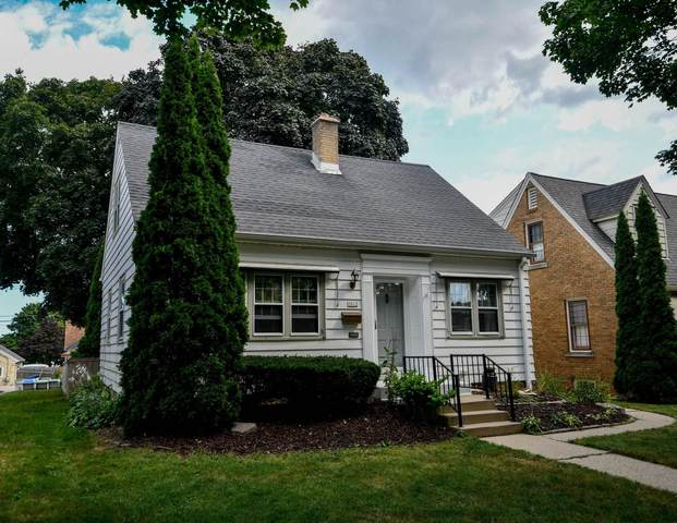 3012 S 47th St, Milwaukee, WI 53219 (#1762585) :: EXIT Realty XL