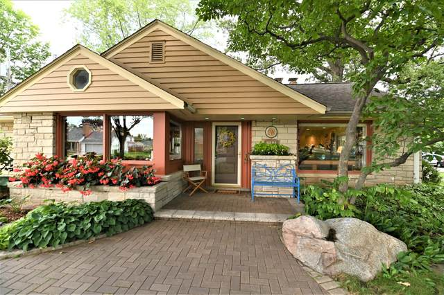 7510 Portland Ave, Wauwatosa, WI 53213 (#1762670) :: EXIT Realty XL