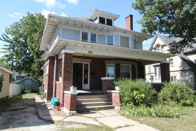 217 N Kane St, Burlington, WI 53105 (#1762734) :: Re/Max Leading Edge, The Fabiano Group