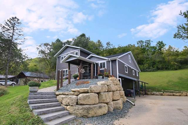 W4824 Puent Rd, Barre, WI 54601 (#1762740) :: OneTrust Real Estate