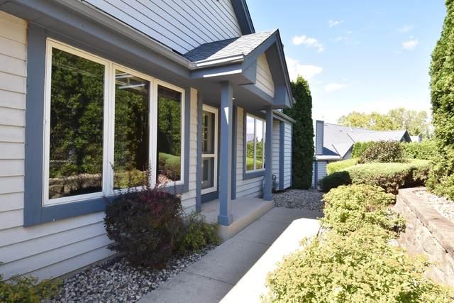 978 Bay View Cir, Mukwonago, WI 53149 (#1762774) :: OneTrust Real Estate
