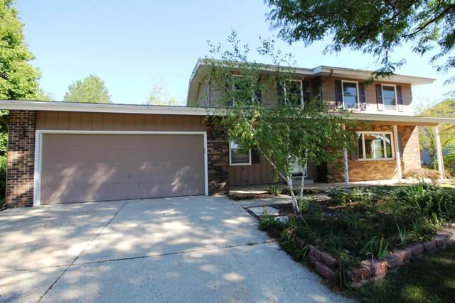 664 Austin Rd, Burlington, WI 53105 (#1762786) :: Re/Max Leading Edge, The Fabiano Group