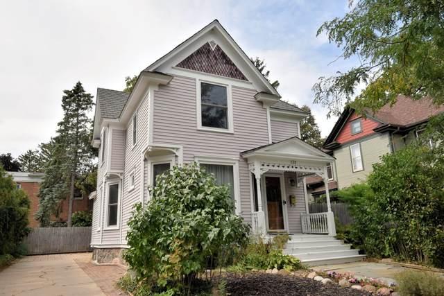 132 S 2nd St, Delavan, WI 53115 (#1762814) :: OneTrust Real Estate