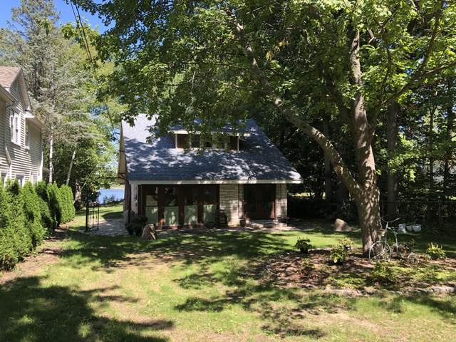 27702 Silver Lake Rd, Salem Lakes, WI 53168 (#1762837) :: Re/Max Leading Edge, The Fabiano Group