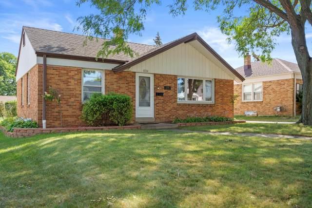 2730 S 52nd Pl, Milwaukee, WI 53219 (#1762915) :: Tom Didier Real Estate Team
