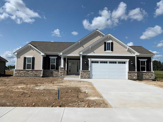 681 Spur Rd, Slinger, WI 53086 (#1762925) :: Re/Max Leading Edge, The Fabiano Group