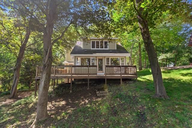 W5258 Aweogon Trl, Sugar Creek, WI 53121 (#1763017) :: OneTrust Real Estate