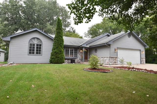 5749 Finch Ln, Caledonia, WI 53402 (#1763078) :: RE/MAX Service First
