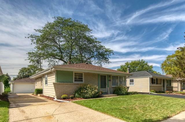 3141 S 97th St, Milwaukee, WI 53227 (#1763268) :: EXIT Realty XL