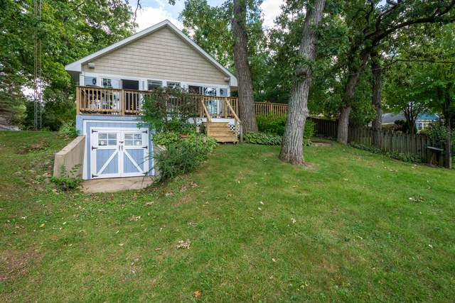 11126 270th Ave, Salem Lakes, WI 53179 (#1763279) :: EXIT Realty XL