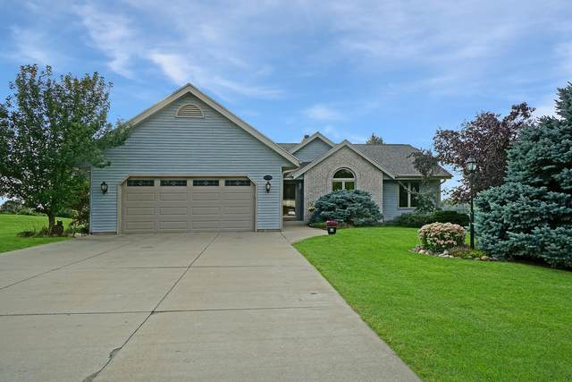 W192N5019 One Mile Rd, Menomonee Falls, WI 53051 (#1763302) :: RE/MAX Service First