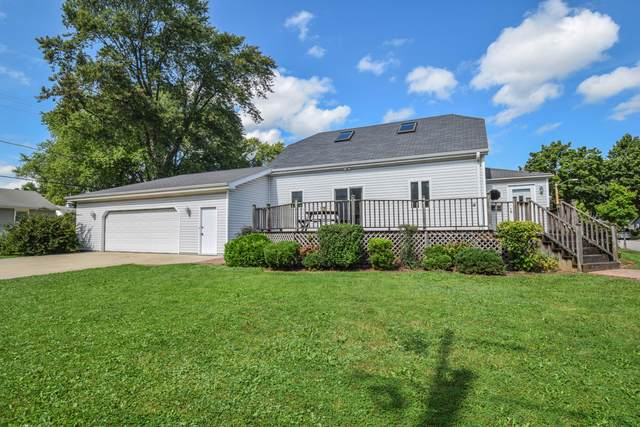 4957 N 127th St, Butler, WI 53007 (#1763338) :: RE/MAX Service First