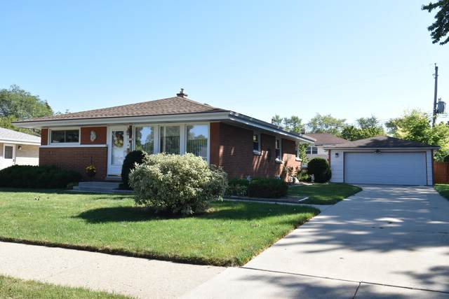 3736 S 77th St, Milwaukee, WI 53220 (#1763493) :: EXIT Realty XL