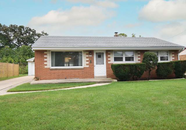 6505 W Allerton Ave, Greenfield, WI 53220 (#1763531) :: RE/MAX Service First