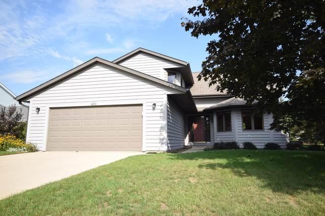 400 Deer Ridge Dr, West Bend, WI 53095 (#1763532) :: EXIT Realty XL