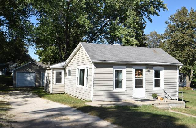 2852 Main St, East Troy, WI 53120 (#1763535) :: RE/MAX Service First
