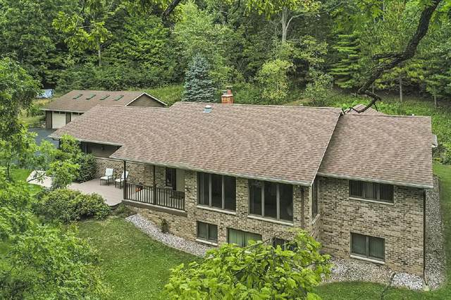 W630 Potter Rd, Spring Prairie, WI 53105 (#1763715) :: OneTrust Real Estate