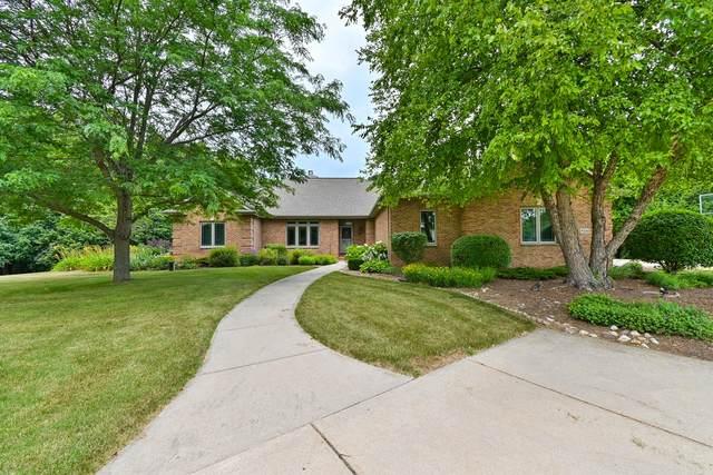 9244 Sunny Ridge Ln, Cedarburg, WI 53012 (#1763759) :: OneTrust Real Estate